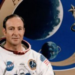 Former astronaut: Man not alone in universe