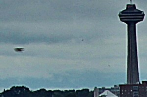 UFO Photo NY Niagra 11Jun13