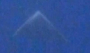 UFO Triangle KA Witchta 15Apr14