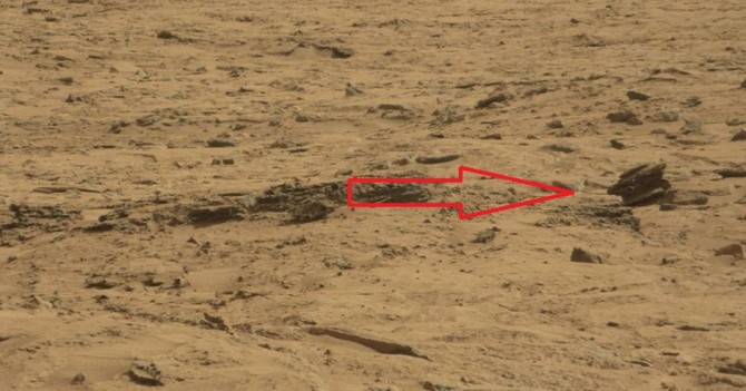 Is This A UFO Drone Crashed On Mars?