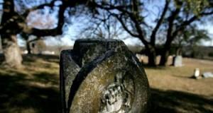 Alien grave marker Aurora Tx