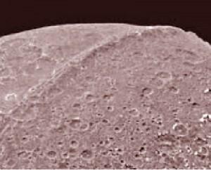 saturn moon iapetus great wall